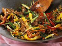 Gebratenes Rind mit Gemüse Rezept