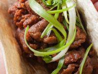 Gebratenes Rindfleisch auf Brot Rezept