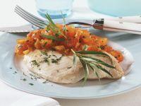 Gedämpfter Viktoriabarsch mit Tomaten-Kräuter-Sauce Rezept