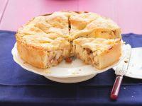 Gedeckter Apfelkuchen mit Haselnüssen Rezept