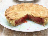 Gedeckter Rhabarberkuchen
