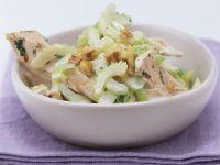 Geflügelsalat mit Stangensellerie und Walnüssen Rezept