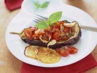 Gefüllte Aubergine mit Tomaten Rezept