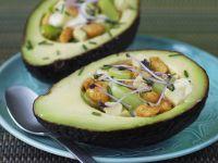 Gefüllte Avocado mit Hähnchen Rezept