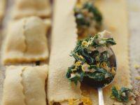 Gefüllte Nudeln mit Steinpilzen und Spinat Rezept