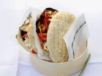 Gefüllte Pitabrote mit Gemüse vom Grill und Feta Rezept