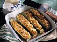 Gefüllte Zucchini mit Hirse und Käse