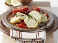 Gefüllter Tintenfisch auf gebratenen Tomatenscheiben Rezept