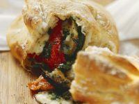 Gefülltes Panino mit Gemüse und Mozzarella Rezept