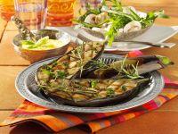 Gegrillte Auberginen mit Kichererbsenmus und Rauke-Champignon-Salat Rezept