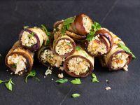 Gegrillte Auberginenröllchen mit Walnuss-Feta-Füllung Rezept