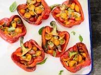 Gegrillte Paprika mit Tomatenfüllung Rezept