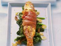 Gegrillte Rotbarbe mit Spinat Rezept
