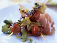 Gegrillte Tomaten-Brot-Spieße mit Prosciutto Rezept