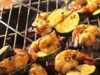 Gegrillte Zucchini-Garnelenspieße Rezept