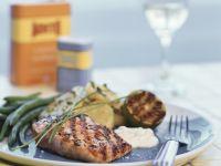 Gegrillter Lachs mit Bratkartoffeln und grünen Bohnen Rezept
