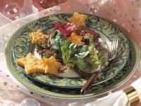 Gemischter Blattsalat mit Polenta-Käse-Sternen Rezept