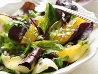 Gemischter Salat mit Ingwer-Orangen-Dressing Rezept