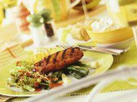 Gemischter Salat mit Schnitzel