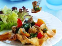 Gemüse auf Filoteig gebacken