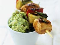 Gemüse-Lachs-Spieß mit Avocadocreme auf mexikanische Art (Guacamole) Rezept