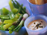 Gemüse mit Thunfischdip