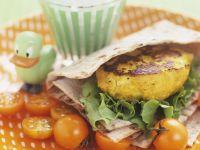 Gemüsebratling mit Fladenbrot und Kirschtomaten Rezept