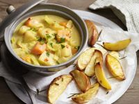Gemüsecurry mit Ofenkartoffeln Rezept