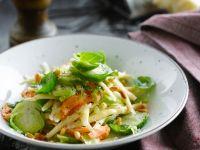 Gemüsenudeln mit Rosenkohl Rezept