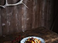 Gemüsesalat mit Pistazien und frischen Cranberries Rezept