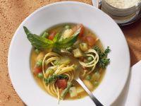 Gemüsesuppe auf italienische Art