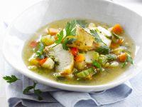 Gemüsesuppe mit Fisch und Pesto Rezept