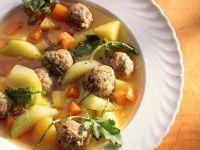 Hackbällchensuppe mit Kohlrabi, Karotten und Kartoffeln Rezept