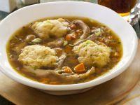 Gemüsesuppe mit Hühnernocken Rezept