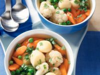 Gemüsesuppe mit Käseklößchen Rezept