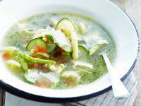 Gemüsesuppe mit Nudeln und Kräutern Rezept