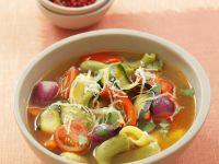 Gemüsesuppe mit Nudeln und Parmesan Rezept