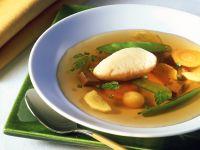Gemüsesuppe mit Quarkklößchen Rezept