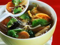 Gemüsesuppe mit Wan Tans Rezept