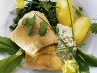 Geräuchertes Lachsforellenfilet mit Bärlauch und Pellkartoffeln Rezept