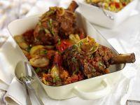 Geschmorte Lammhaxe mit Gemüse Rezept