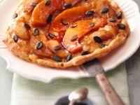 Gestürzte Kürbis-Apfel-Tarte mit Kürbiskernen Rezept