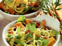 Glasnudeln-Karotten-Pfanne aus dem Wok Rezept
