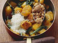 Gnocchi aus Kürbis mit Amaretti-Keksen