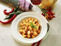Gnocchi mit scharfer Tomatensauce Rezept