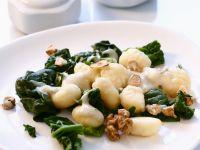 Gnocchi mit Spinat und Walnüssen Rezept