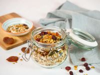 Golden Granola mit Dinkel und Buchweizen Rezept