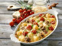 Gratin mit Tomate, Hackfleisch und Käse Rezept