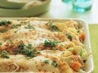 Gratinierte Gemüse-Pfannkuchenröllchen Rezept