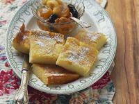 Grieß-Ecken mit Trockenobst-Kompott Rezept
